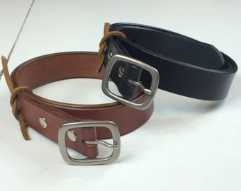 "1-1/4"" English Bridle Full Grain Leather Belt with Center-Bar Buckle"