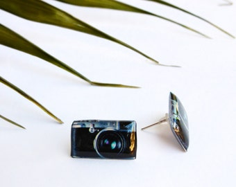 Photo camera studs / Photographer gift idea / Camera earrings / Camera jewelry / Snapping lover gift / Camera jewellery / Gift for her
