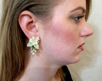 COLLEEN TOLAND HANDBEADED Creme with Pearls Flower Earrings.