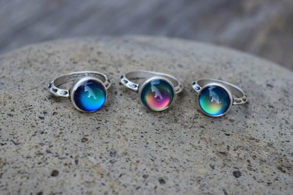Mood Ring, Silver Glass Mood Ring, Round Circle Mood Ring, Temperature Color Changing Ring, 90s Grunge, Spiritual Ring, Solitaire Mood Ring