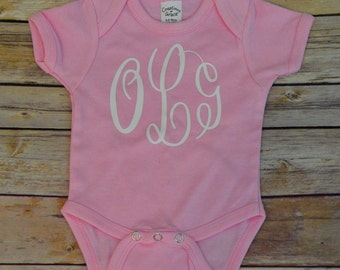 Monogram pink bodysuit, monogram baby outfit, pink baby outfit, pink baby bodysuit, monogram baby gift, baby shower gift, going home outfit