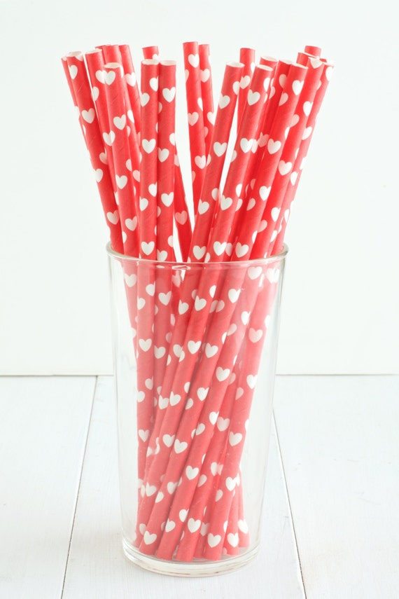 heart on a paper straw 25 paper straws straws feature white hearts on 6703