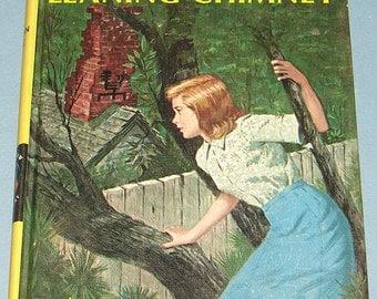 Nancy Drew #26 Clue of Leaning Chimney 1967 PC