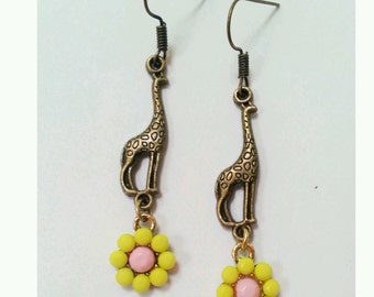 giraffe earrings,  bronze giraffe earrings, flower giraffe earrings, animal earrings, daisy earrings, gift for giraffe lover