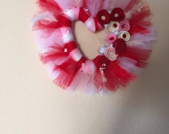Heart Wreath, Valentine Wreath, Mothers Day Wreath, Tulle Wreath, Felt Flower Wreath, Home Decor, Wall Decor, Heart Shaped Wreath