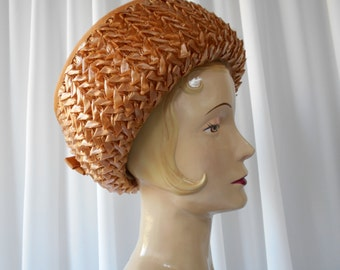 Vintage  Brimmed Straw Hat with Caramel Brown Raffia Trim and Bow 1960's  #20012