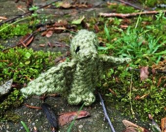 Crochet green pterodactyl, crochet pterodactyl, green dinosaur, amigurumi dinosaur, plush pterodactyl, tiny crochet, toy dinosaur