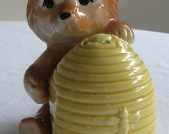 Vintage Bear and Honey Jar Ceramic Salt & Pepper Shaker Set, Made in Japan