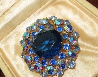 Lovely vintage 1950s blue glass and AB glass brooch