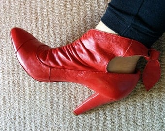 1980s red leather heeled boots size 7B 38 ankle ties ruffle detail made in Brazil