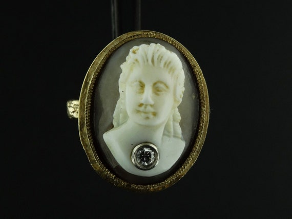 Vintage 14K Yellow Gold High Relief Shell Cameo Diamond Ring Size 7.25 RG317