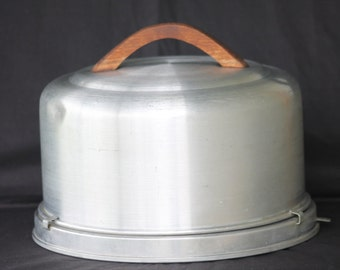 1950's Mirro Covered Cake Carrier Server with Locking Lid