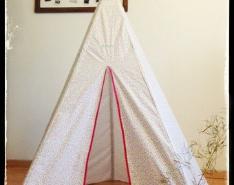 Customizable child teepee. hut. decorative object. cotton fancy. 160 cm tall.