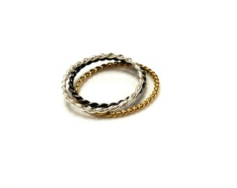 Twisted silver ring | Valdrada Collection | VALUE-A08
