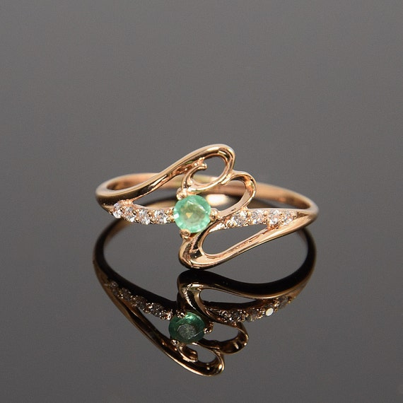 promise ring emerald ring gold emerald ring may birthstone