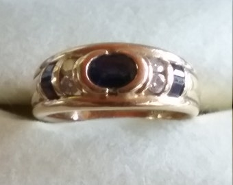 Lovely 14kt blue sapphire and Diamond ring