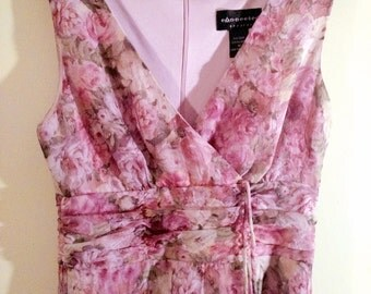 Pink and White Roses Floral Pattern Dress