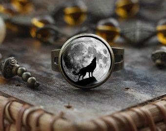 Howling Wolf Moon glass dome ring, wolf ring, wolf jewelry, full moon ring, moon ring, Adjustable Ring, men's ring