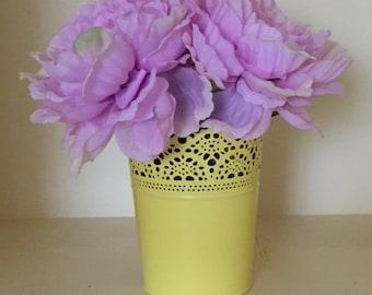 Yellow vase, farmhouse decor, floral decor, flower decor, Floral Arrangement, Spring Floral Arrangment, Yellow Vase With Purple Flowers