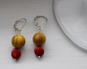 Fun little dangle earrings