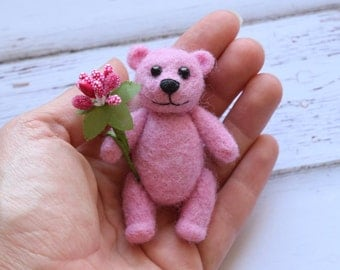 Little bear, Needle felted bear, Pink bear, Miniature Bear
