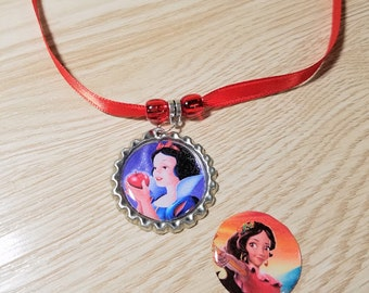 10 Red Necklaces Party Favors. Snow White, Elena of Avalor