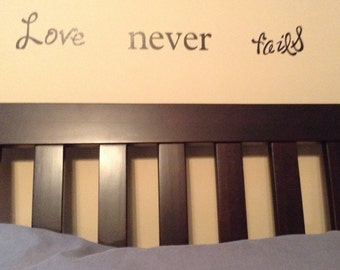Love Never Fails Vinyl Decor