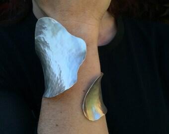 ammered bracelet in Sterling Silver 925, handmade satin polished on the inside outside
