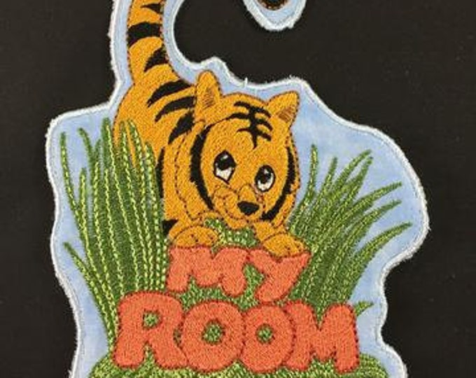 "FSA Zoo Door Hangers  ( 11 ""Free Standing Applique"" Machine Embroidery Designs from ATW ) .ev07"