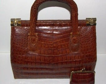 Vintage 60s alligator bag. Crocodile handbag from 60s vintage.