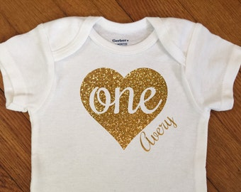 SALE! Personalized First Birthday Heart Shirt, 1st Birthday Outfit, Glitter One Name Bodysuit, First Birthday Onesie®, 2nd, Party Photo