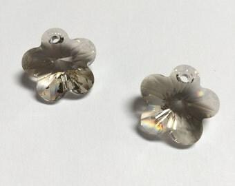 Swarovski Crystal Flower Pendants 17 MM Silver Shade - 4 Pieces - CB033
