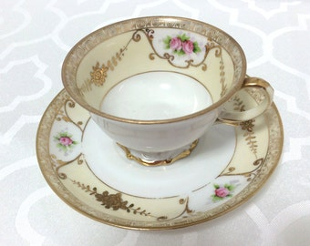 Japanese Vintage Noritake Tea cup with regal gold motifs, gild and roses, porcelain