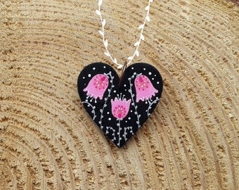 Fairy House rose pendant