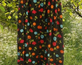 FOLK GOTH Beautiful Black Floral Long Maxi Skirt with pockets!