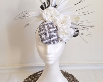 Ladies black and white fascinator headpiece
