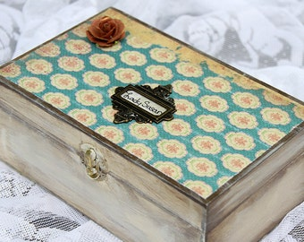 """Jane Austen's """"Lady Susan"""" (Letters and Stationary Box)"""