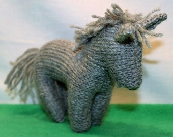 Horse - hand knitted pure wool