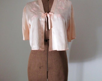 1930s Silk Bed Jacket Embroidered Blouse XS Champagne Pink Silk Satin