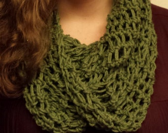 Loose Weave Infinity Scarf- Green