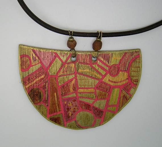 Necklace wooden painted rose pattern