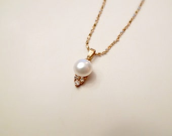 LADY MARIA white cultured pearl pendant and chain . GP 14K