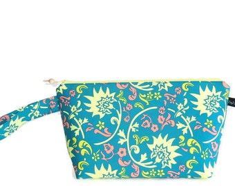 Wedge Bag, Small-Project Knitting Bag, Rhapsodia Tibet Blockprint