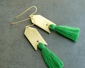 Green Tassel Earrings, Kelly Green and Gold, Natural Brass Tassel Earrings, Arrowhead, Arrow Earrings
