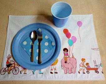 Sarah Jane Children on Parade Placemats Reversible Set of 6 Ready to Ship