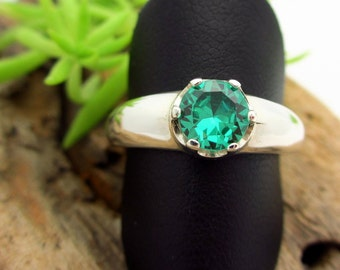 YAG Green Garnet, Lab Grown Ring in Sterling Silver, Bright Emerald Green color Gemstone - Free Gift Wrapping