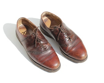 Vintage Men's Brown Leather Oxford Shoes / Punched Hole Leather Shoes / size (8D)