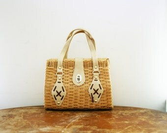 vintage 60s Off To The Market Fabulous Nautral Woven Basket Purse