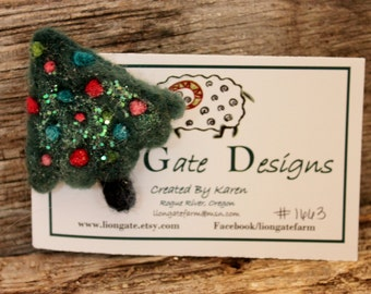 Needle Felted Christmas Tree Pin, Felted Christmas Tree Brooch, Felted Jewelry # 1663
