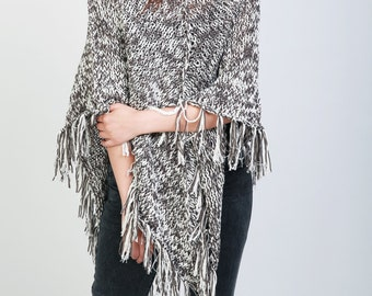 Hand Knit wool poncho white/grey shrug fringe capelet LMD